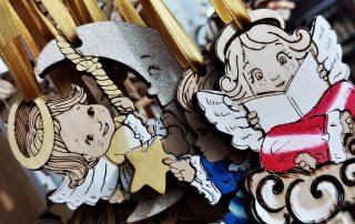 angioletti in legno per decorazioni natalizie che puoi trovare da cesano idee regalo torino