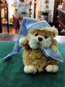 orsetto bukowsky con cuscino e cappello da notte come idea regalo